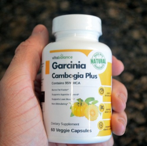 Garcinia Cambogia Plus made with natural ingredients